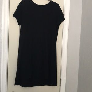 black short sleeve t-shirt dress